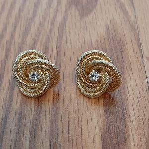 5/50% gorgeous gold twist knot stud earrings